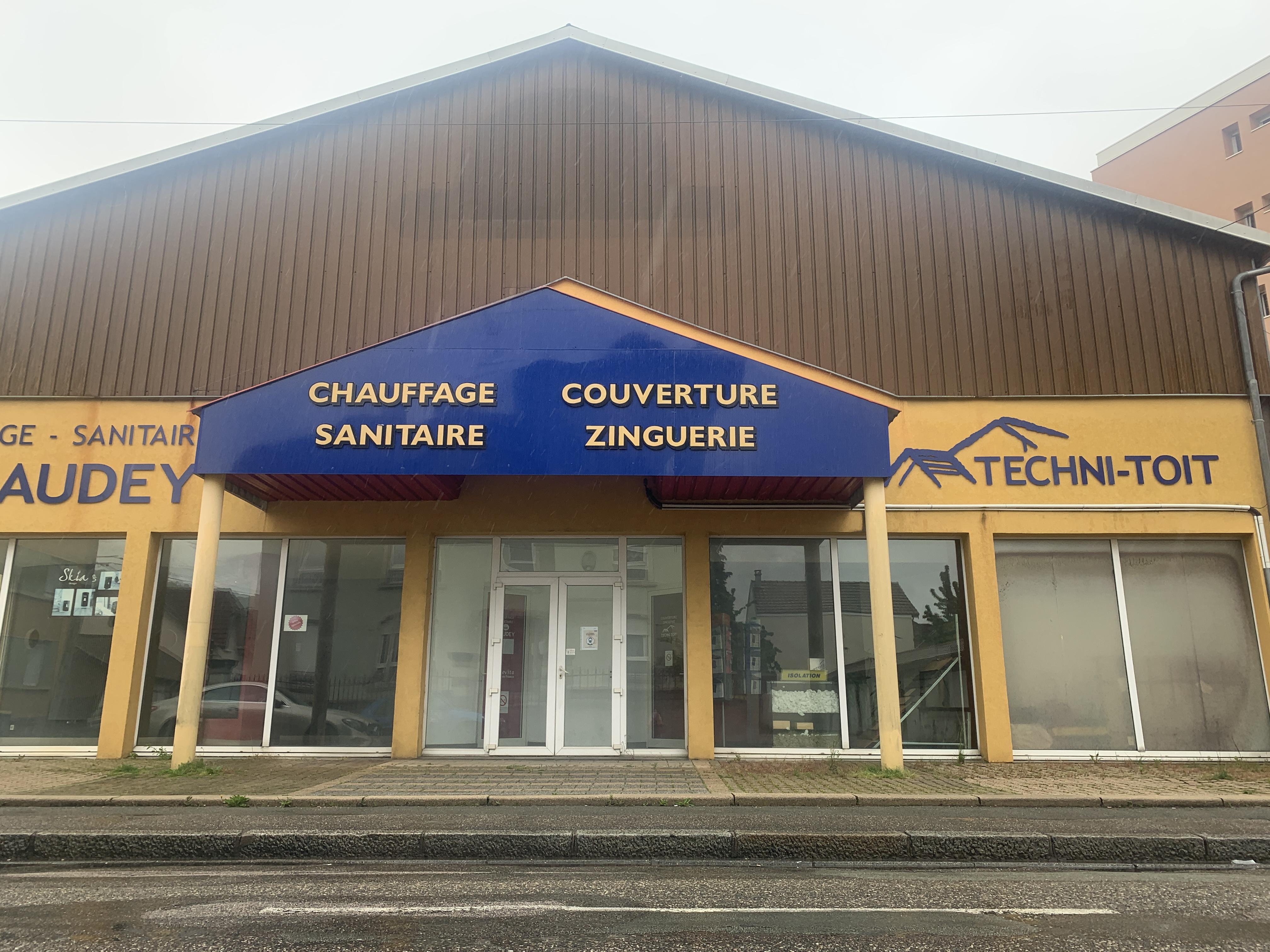 Venez découvrir ce charmant local industriel à vendre dans l'ancienne place forte sur les rives de la savoureuse ville de Belfort !